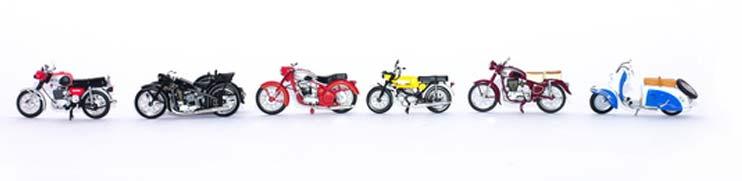 Verschiedene Motorräder und Motorroller